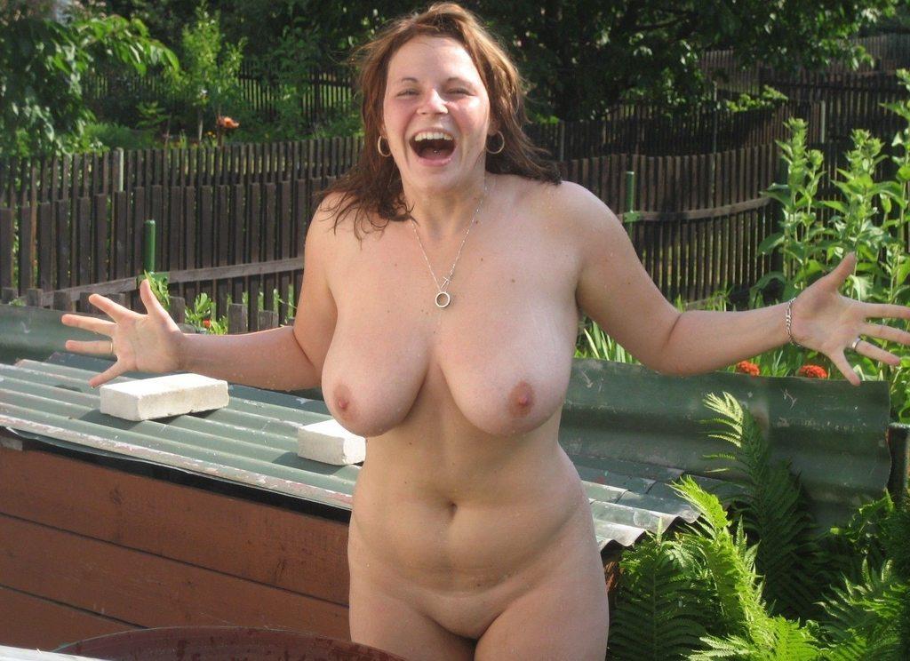 Free milf pics and hot moms porn