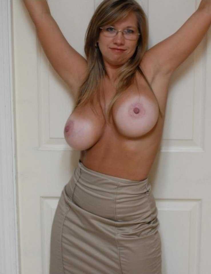 Old Women With Massive Tits Porn Images